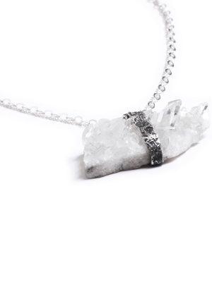 Salcantay - Collar plata quemada 925 y cuarzo natural